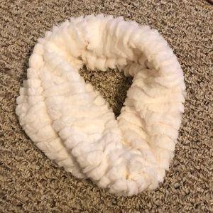 Cream Fur neck scarf